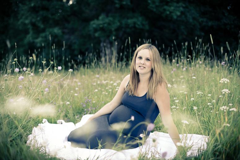 Maternity photographer gravid fotograf pregnant Göteborg Gothenburg